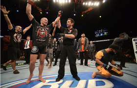 ufc167_12_gsp_vs_hendricks_116.jpg